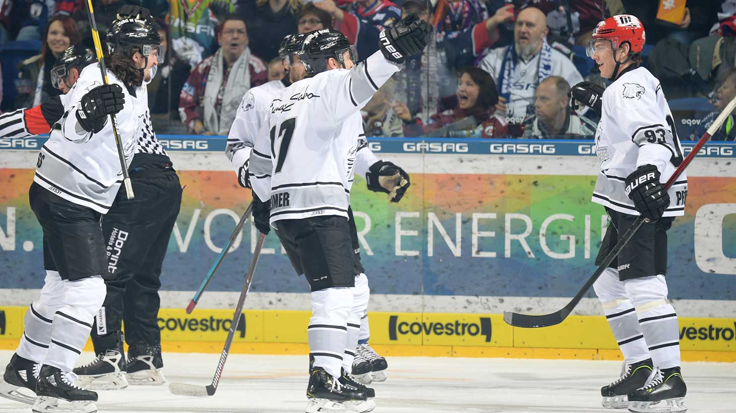 52 Ice Tigers Gewinnen Auch In Berlin Thomas Sabo Ice Tigers